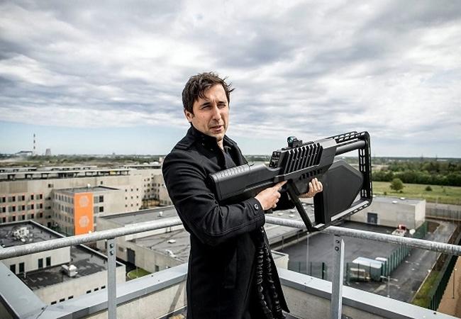 [글로벌-Biz 24] '수상한' 드론 격추하는 미래형 소총 개발