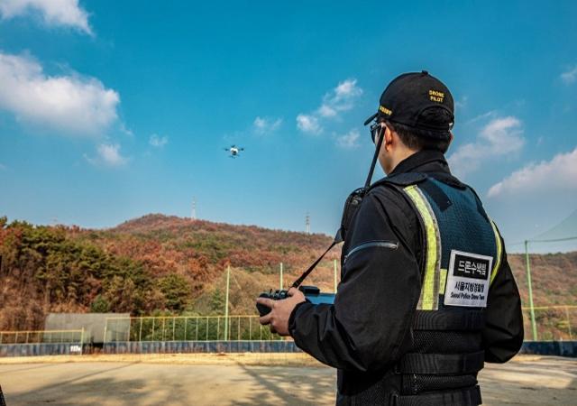 드론 수색 확대하는 경찰… 교육은 미비, 자격증은 '자비'로